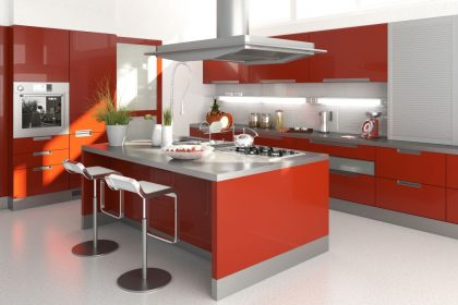 Kuchnia z urządzeniami chłodniczymi